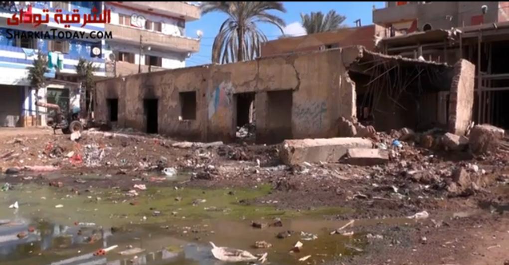 غرق في الصرف وموت على الطريق.. أهالي كفر أباظة بالزقازيق يناشدون المسؤولين لإنقاذهم