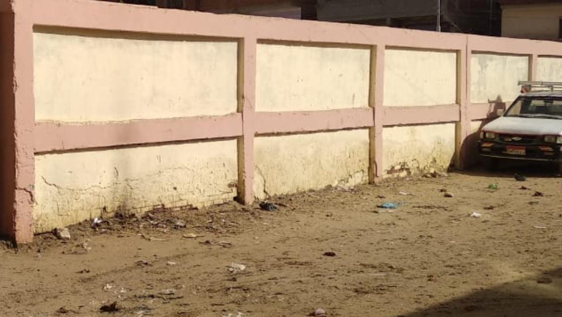 القمامة في محيط مدرسة غزالة الخيس بالزقازيق