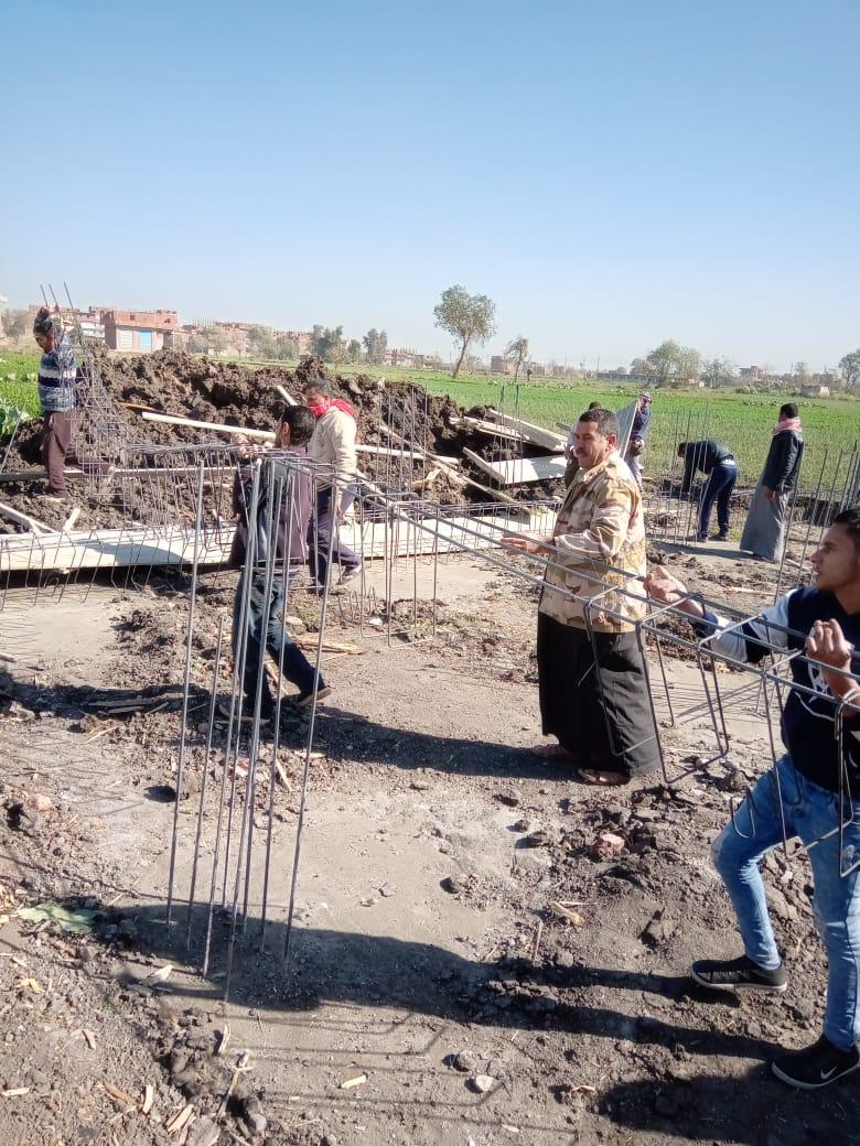 إزالة 8 منازل تحت الإنشاء بالزقازيق لتعديهم على الأرض الزراعية