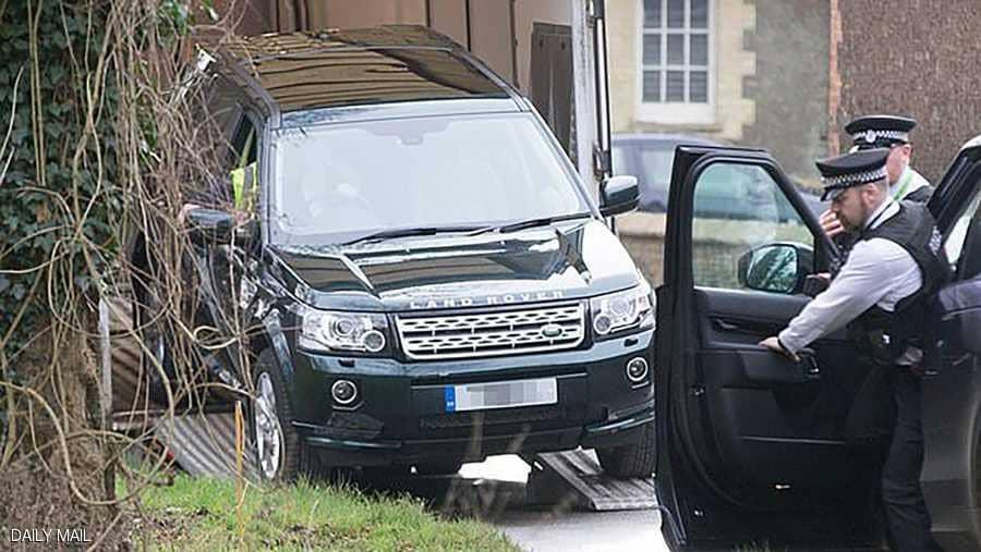 الشرطة البريطانية تحذر الأمير فيليب بسبب حزام الأمان