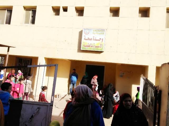 الكشف على 2099 شخص بقافلة طبية في قرى القنايات