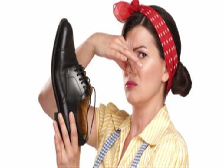 حيل بسيطة للتخلص من روائح الحذاء الكريهة