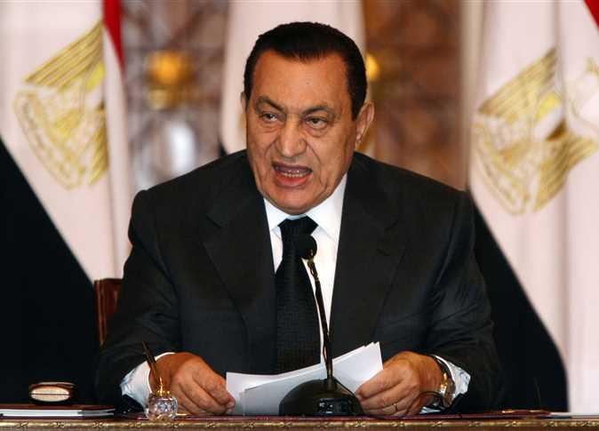 سبب إقال مبارك لوزير الصحة إسماعيل سلام على متن الطائرة