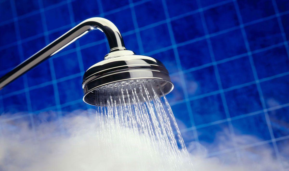 مركز السموم يحذر المواطنين من الاستحمام بالماء الساخن