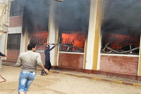 نشوب حريق في مدرسة بالزقازيق والإطفاء تتدخل
