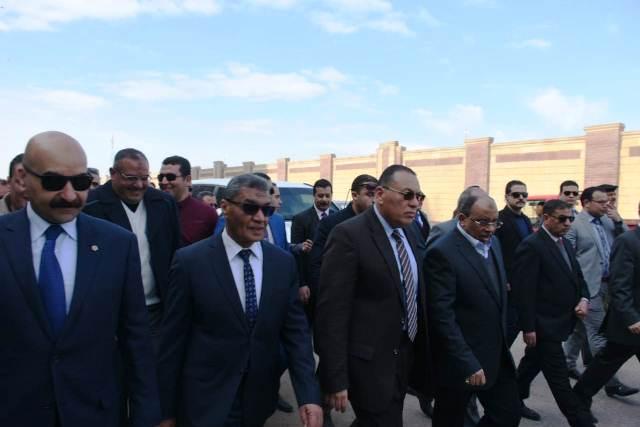 التنمية المحلية ومحافظ الشرقية يتفقدان مشروع إنشاء كوبري شرويدة بمدينة الزقازيق بتكلفة مبدئية 183 مليون جنيه
