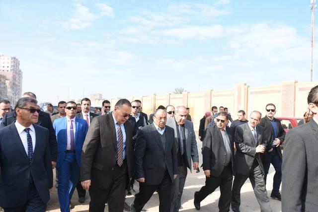 التنمية المحلية ومحافظ الشرقية يتفقدان مشروع إنشاء كوبري شرويدة بمدينة الزقازيق بتكلفة مبدئية 183 مليون جنيه6