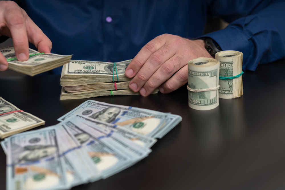 مفاجأة من العيار الثقيل تتعلق بسعر الدولار   الشرقية توداي