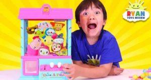 طفل يكسب 22 مليون دولار من يوتيوب