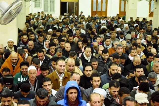 محافظ الشرقية يشيع جثمان شهيد أبو حماد