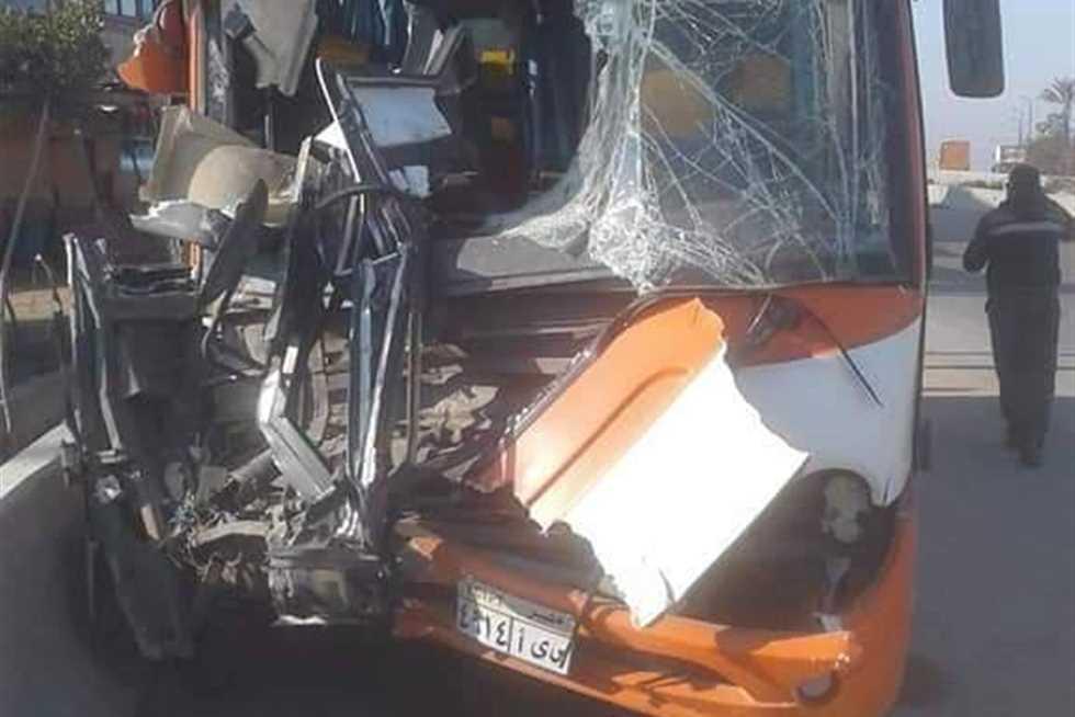 إصابة 12 شخص في حادث تصادم أتوبيس في الشرقية