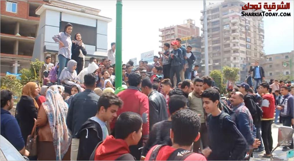 احتجاج طلاب الصف الأول الثانوي بالزقازيق