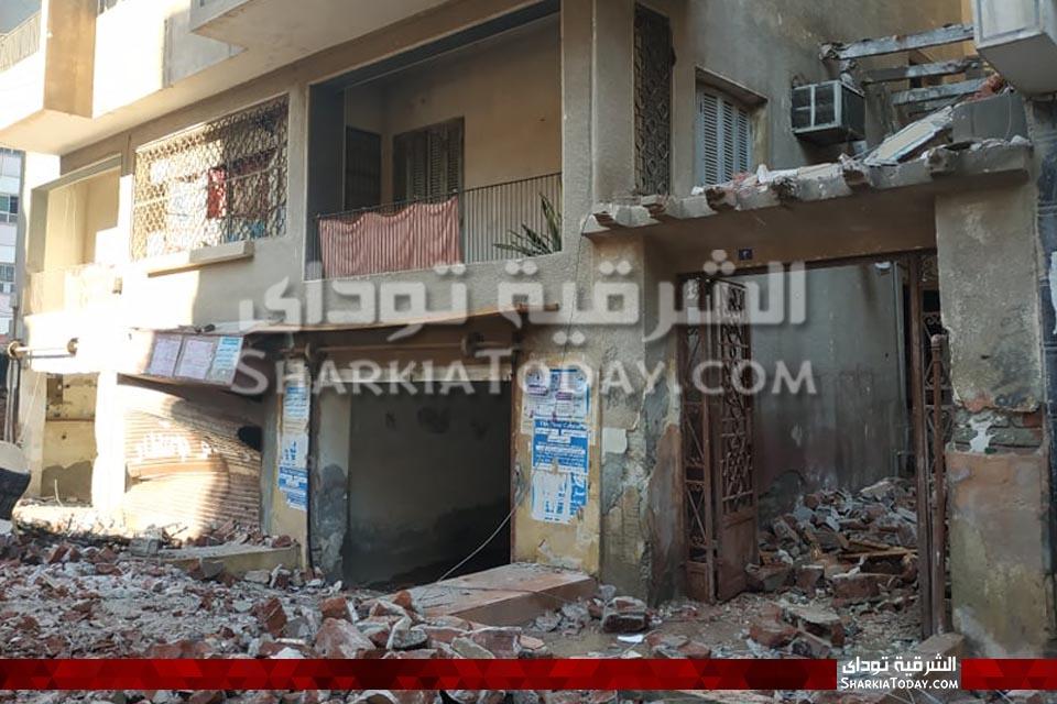 الأضرار الأولى لانفجار شقة بالزقازيق