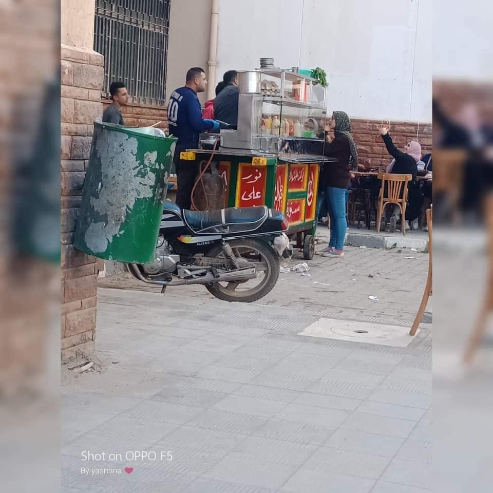 جامعة الزقازيق توضح حقيقة تواجد عربة فول وعصير القصب داخل الجامعة