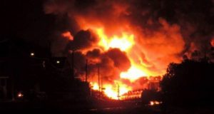السيطرة على حريق مروع بمخزن بالشرقية