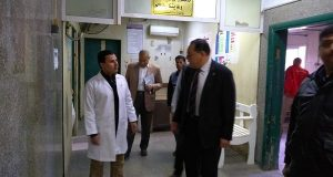 محافظ الشرقية يفاجئ مستشفى أبو كبير بزيارة صباحية