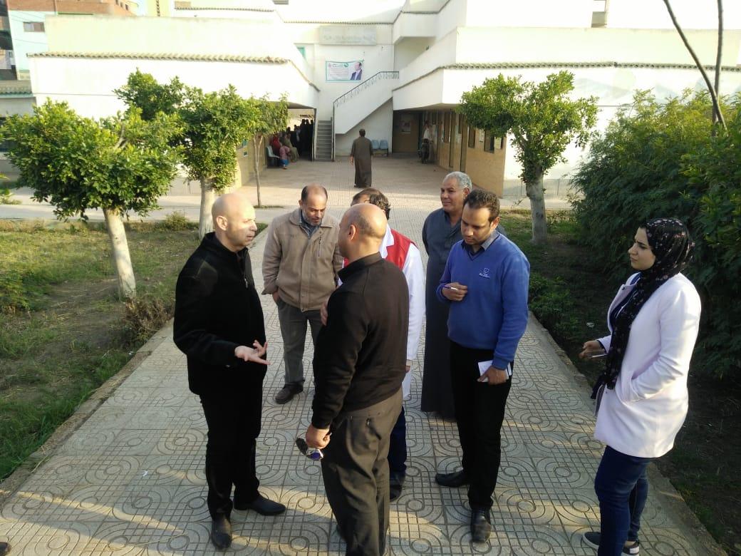 وكيل وزارة الصحة بالشرقية يتابع المبادرة الرئاسية بديرب نجم   الشرقية توداي