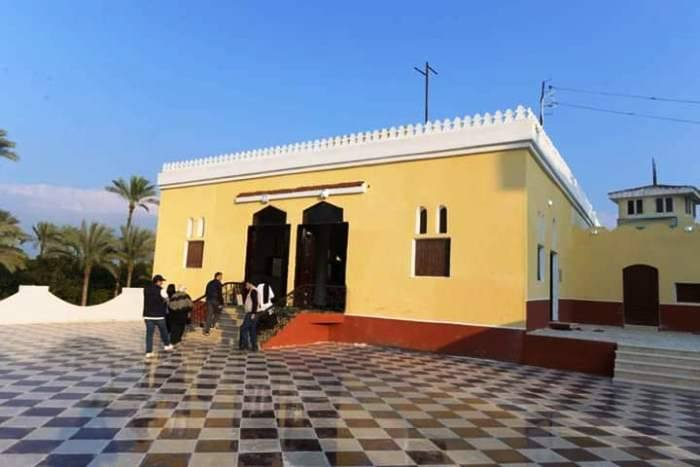 محافظ الشرقية يعيد إعملار 8 منازل و 5 مساجد