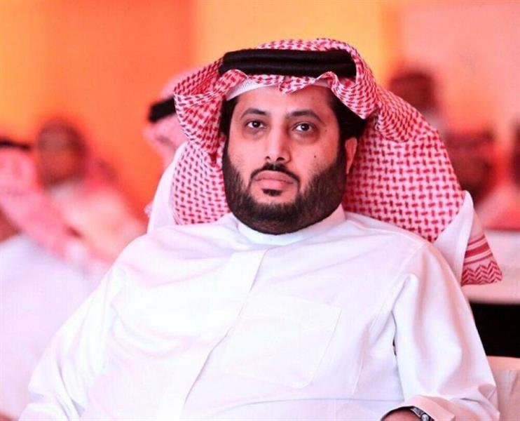 تركي آل الشيخ يعتذر لنجم الأهلي