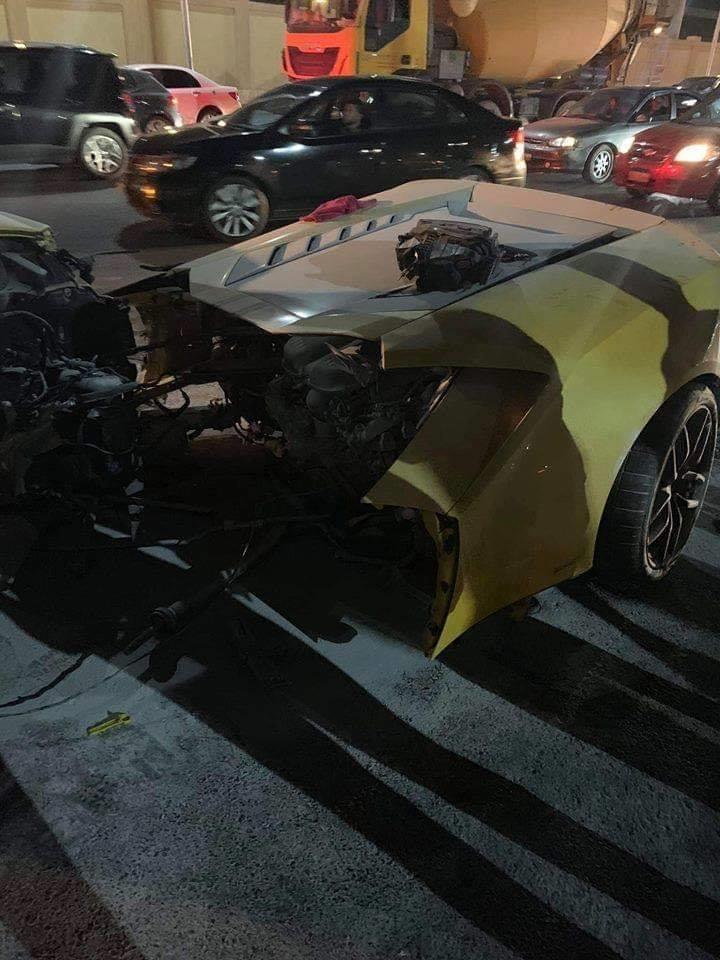 حادث سيارة لامبورجيني على طريق السويس