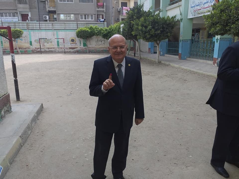 جامعة الزقازيق يدلي بصوته في الاستفتاء على التعديلات الدستورية4