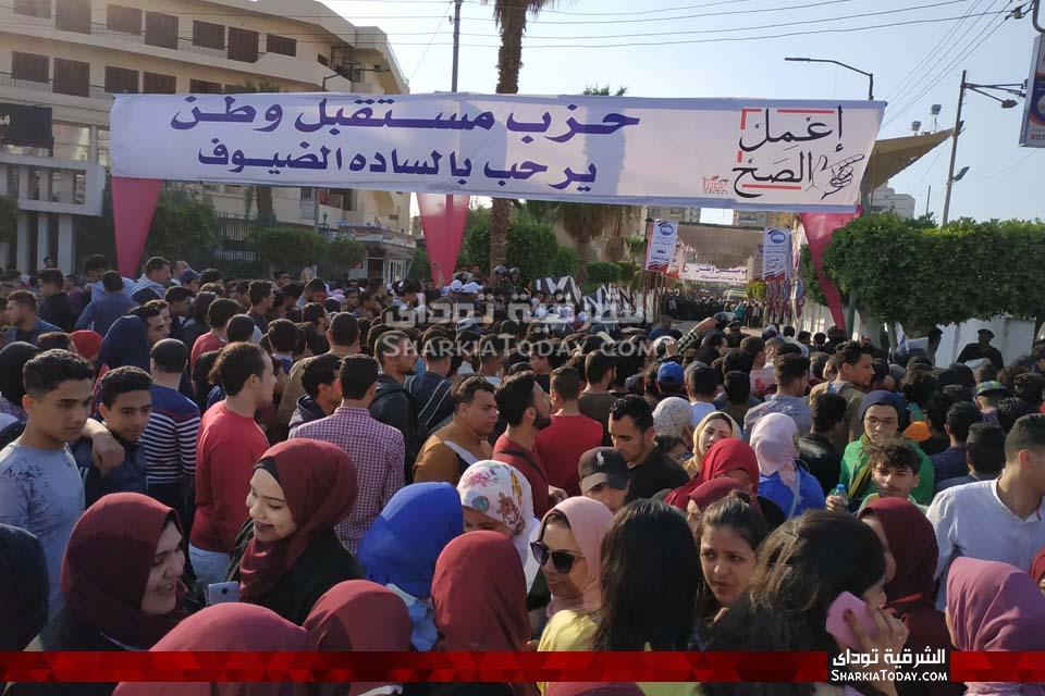 زحام أمام بوابات استاد الزقازيق تزامناً مع حضور محمد حماقي