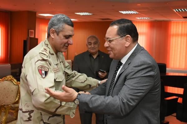 محافظ الشرقية يستقبل مدير جمعية المحاربين