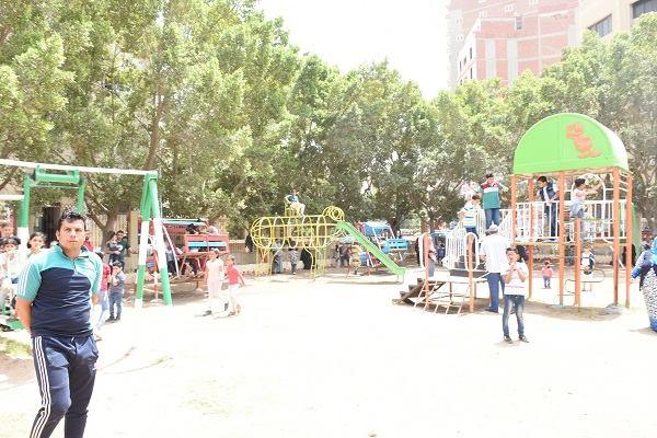 محافظ الشرقية يشارك المواطنين احتفالهم بشم النسيم بحديقة حيوان الزقازيق