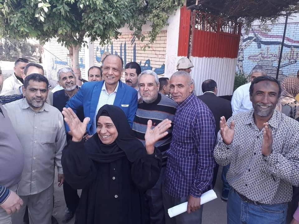 إدارة الحسينية يتابع سير العملية الانتخابية لتعديل الدستور2