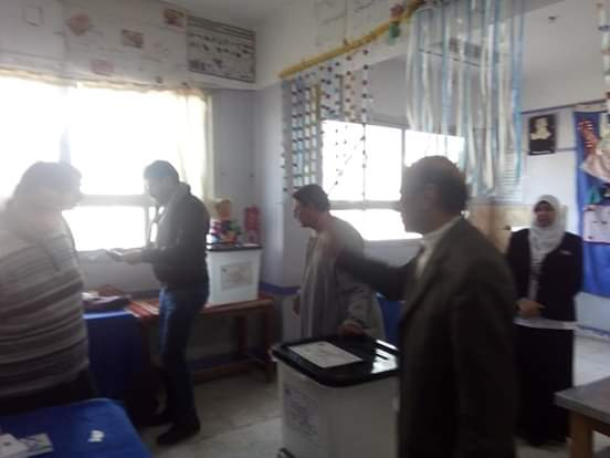 رئيس مدينة القرين يتابع أعمال الاستفتاء على التعديلات الدستورية3