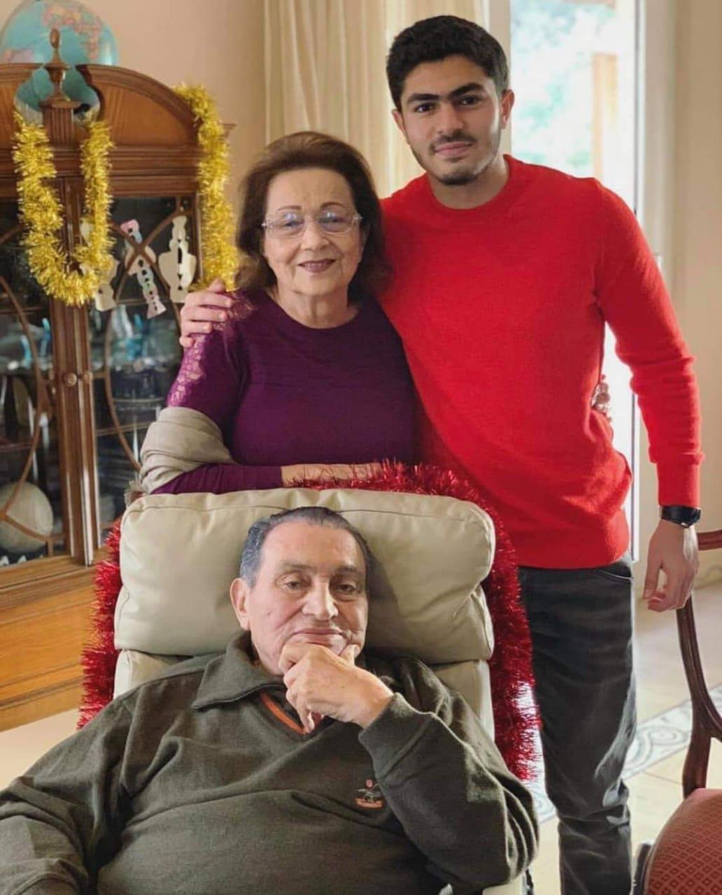 صورة لمبارك في عيد ميلاده الـ 91 2