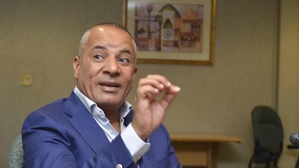 أحمد موسى يعلق على طلاء واجهات المباني