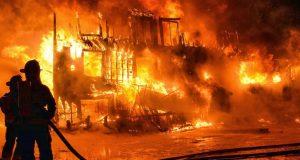 السيطرة على حريق مروع بالشرقية