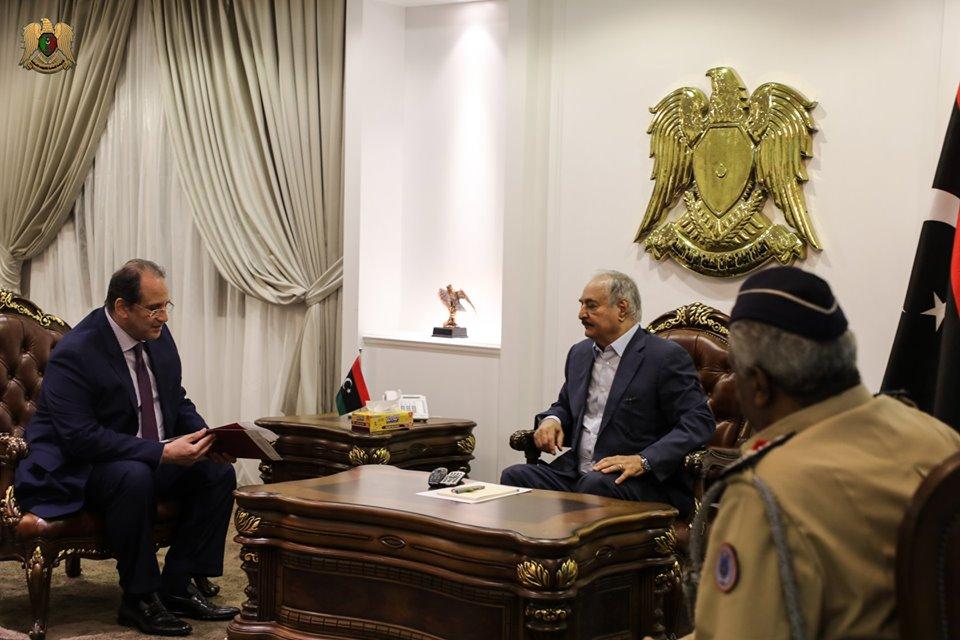 رئيس المخابرات المصرية يناقش عمليات مكافحة الارهاب مع قائد الجيش الليبي