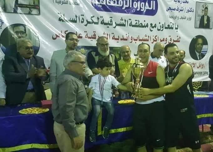 ناصر تكرم اسم اللاعب الراحل تامر هجمة في كأس بطولة لكرة السلة بالشرقية2
