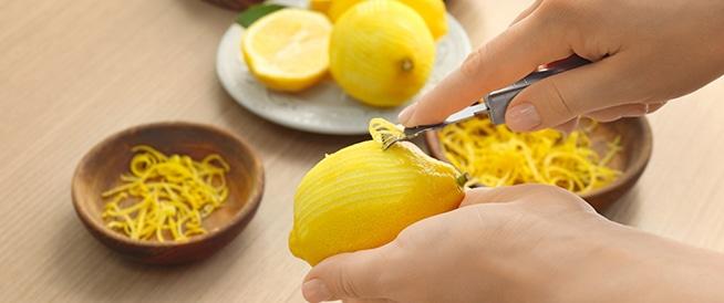 لا تهملوا قشر الليمون.. ففوائده مذهلة!
