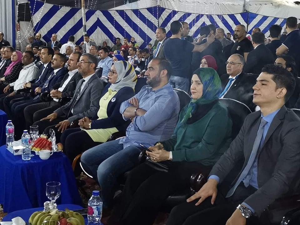 مستقبل وطن بالشرقية يهدي 6 رحلات عمرة و50 جهاز كهربي للأهالي