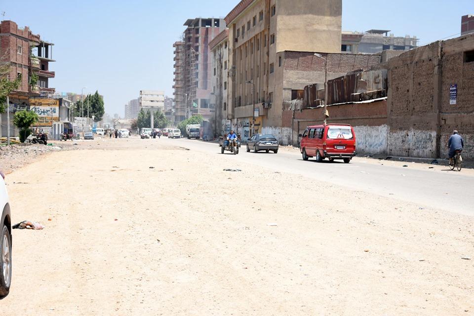 الشرقية يتفقد أعمال رصف طريق الزقازيق كفر أبو حاكم4