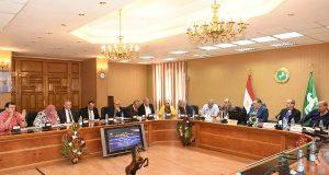 محافظ الشرقية يجتمع بأعضاء البرلمان