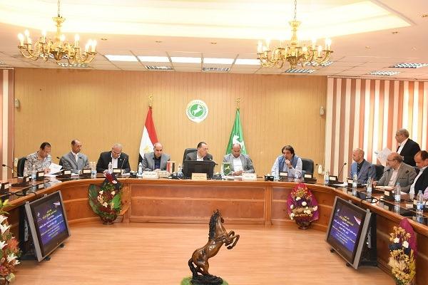 محافظ الشرقية يلتقي أعضاء مجلس النواب