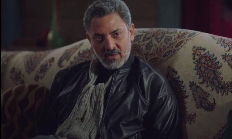 الموت يفجع الفنان فتحي عبد الوهاب بعد وفاة والدته   الشرقية توداي
