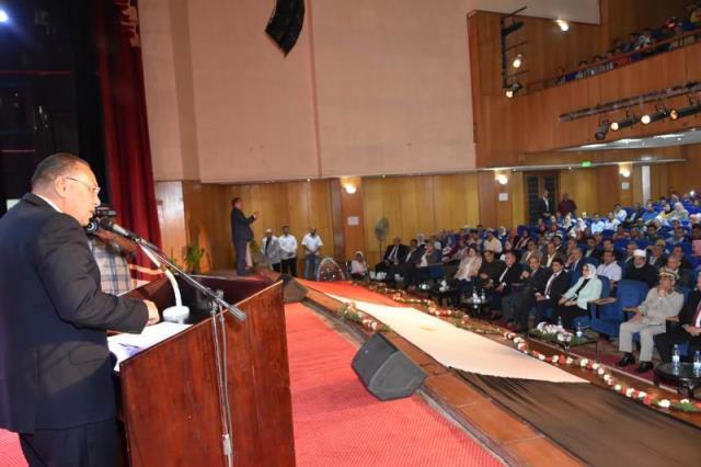 تبدأ احتفالاتها بالعيد القومي بندوة بعنوان مصر المستقبل